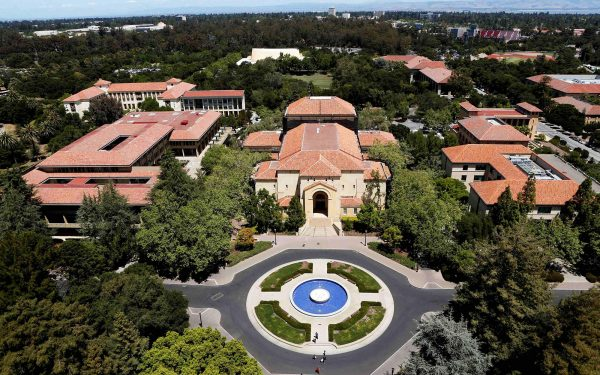 Stanford University's campus is seen from atop Hoover Tower in Stanford, California, U.S. on May 9, 2014.  To match Special Report COLLEGE-CHARITIES/    REUTERS/Beck Diefenbach/File Photo